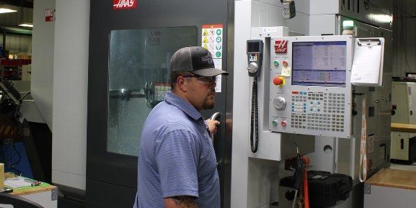 Drake-Plastics-Precision-Machining-Customer-Support-Growth-Development-Equipment-1-600x400